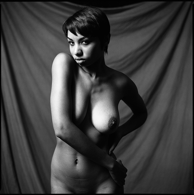 660080_14 Untitled Black & White Nude, 2012