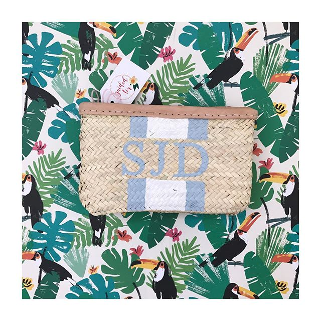 💙// C L U T C H - Why not treat yourself to a matching clutch bag along with one of our classics?! - All designs are available across our whole range meaning you can have matching everything 😏- Our website is unfortunately still down for maintenance but make sure to add your email to be notified when it's back up! - #guidedtor -