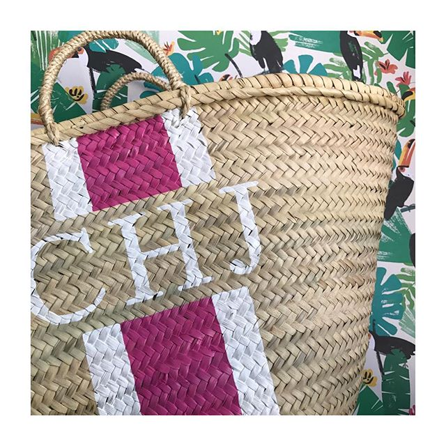 💓// S W E E T S U N D A E - Wishing everyone a lovely Saturday with some sun (fingers crossed! ☀️) - Head to our website for information on personalised palm leaf bags - www.guidedtor.com - #guidedtor -