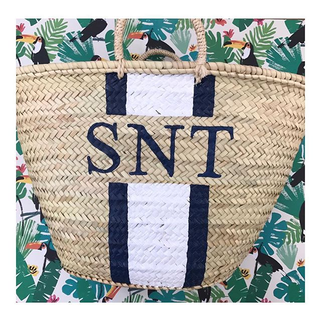 💙// Our bestseller from last summer, the White Daisy & Iris! Will it stay top this year? - - - -  #beachbag #beach #wicker #wickerbasket #wickerbag #forsale #interiors #handbag #handmade #style #london #morocco #shop #summer #blogger #fblogger  #fashion #palmleaf #onlineshop #startup #pompom #monogram #palm