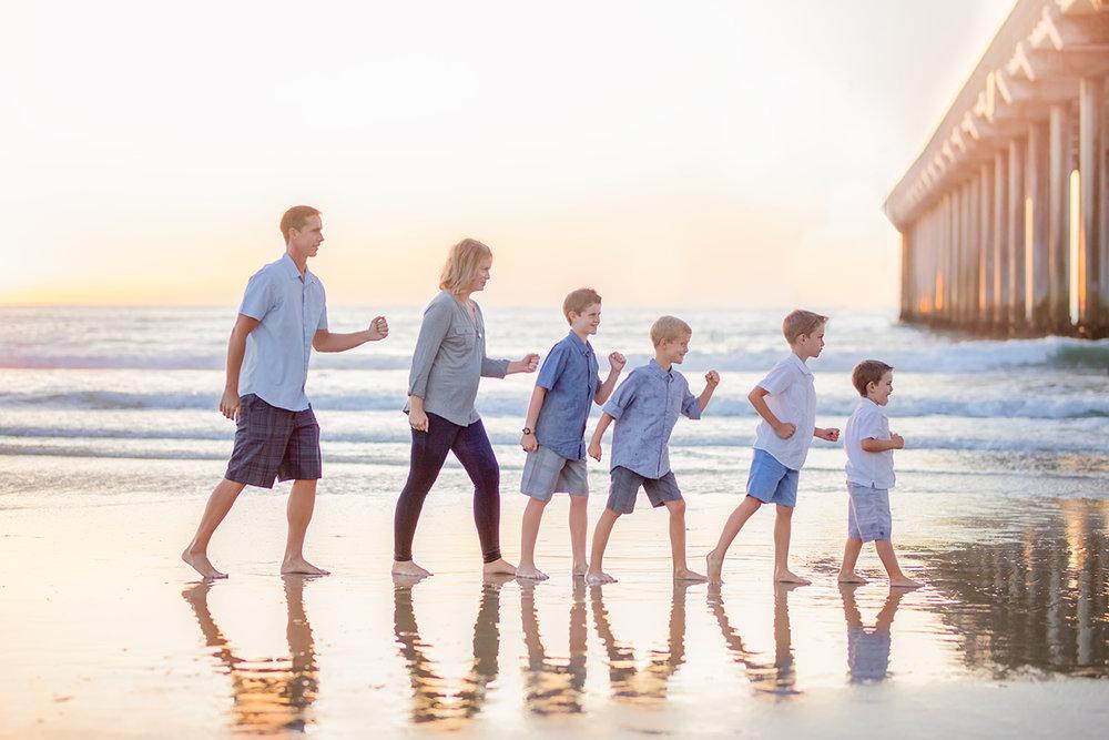 FamilyBeachPhotographyScripsPier10.jpg