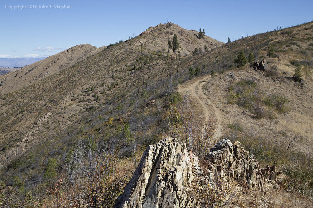 The road on the ridgeline separating Mills Canyon from Spencer Canyon leading to  Keystone Point.