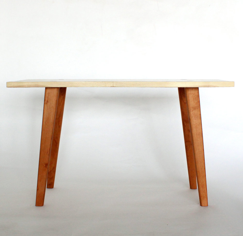 Emma Senft, table, Montréal, custom furniture, mobilier, sur mesure, solid wood, bois