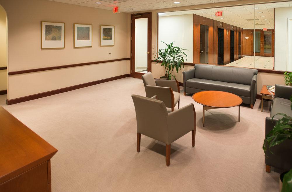 MO Client Lounge 1x1-0792.jpg