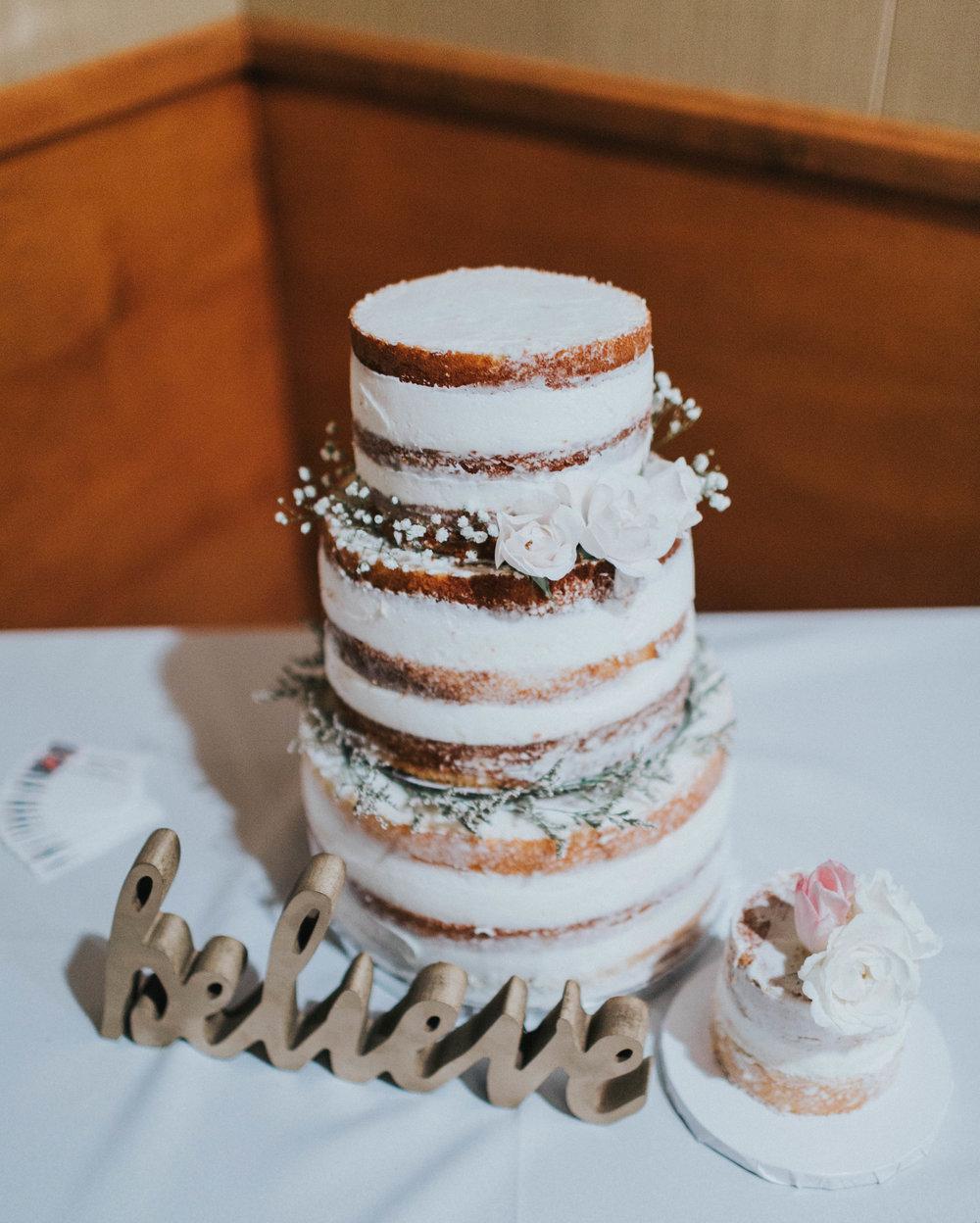 SamErica Studios naked cake