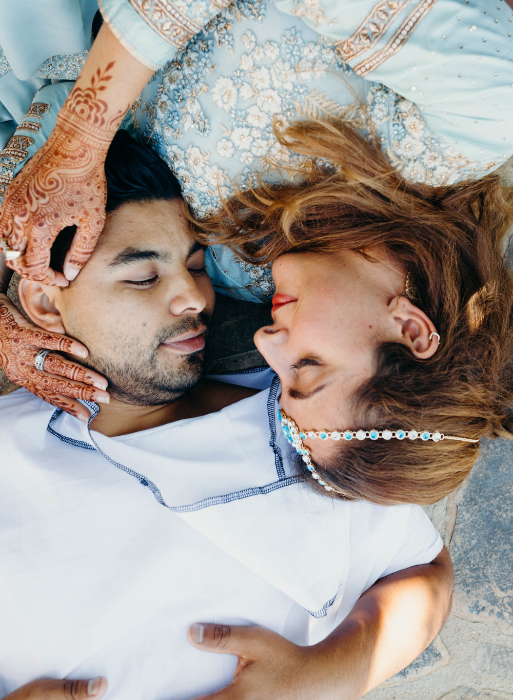 Couples Poses - Aladdin Styled Shoot