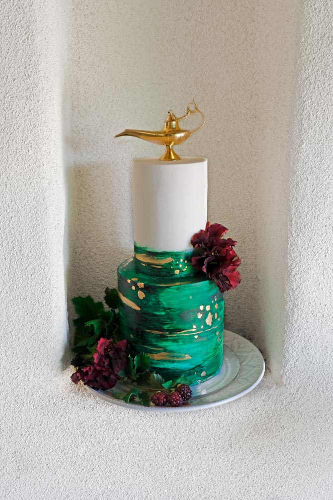 Modern Aladdin Wedding Cake