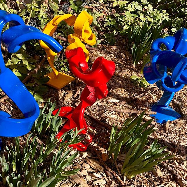 Snow melts and spring blooms appear #handforgediron #garden #garden_styles