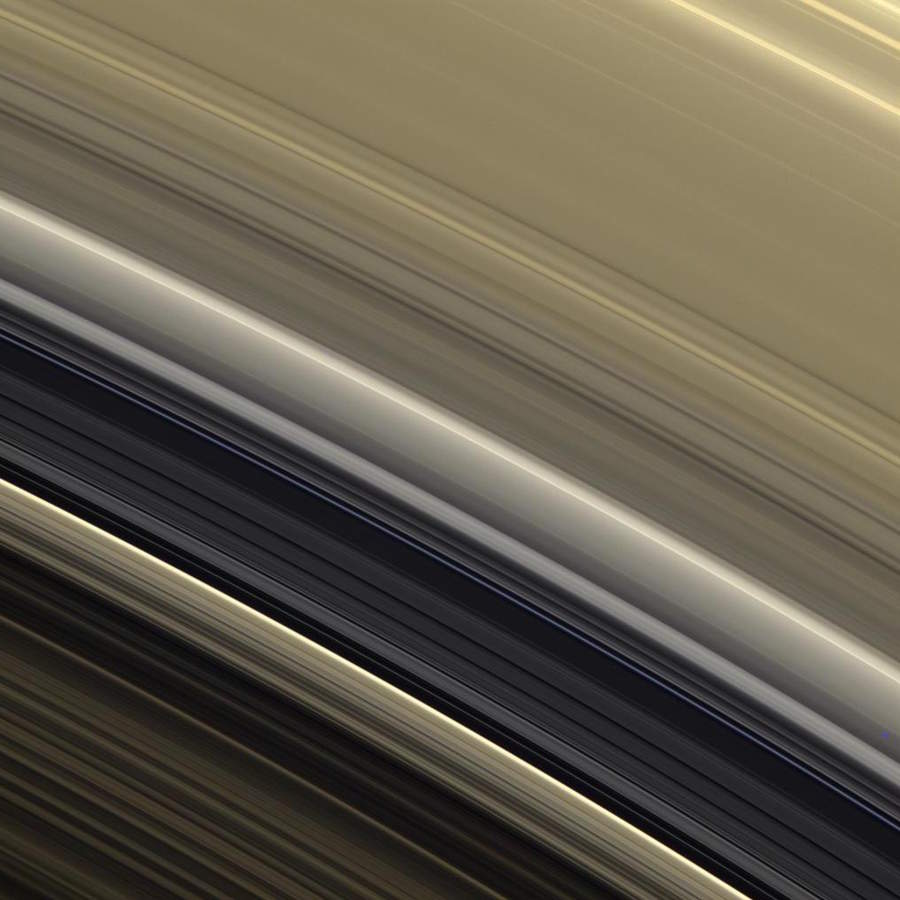 rings-PIA08306-900.jpg