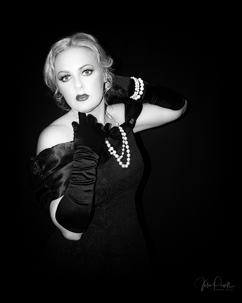 B&W Art Film Noir Boudoir - Behind the scenes look at a Creative B&W Art Film Noir styled Boudoir shoot. Hayley wanted dark and moody, grungy and dramatic, and extremely artistic.