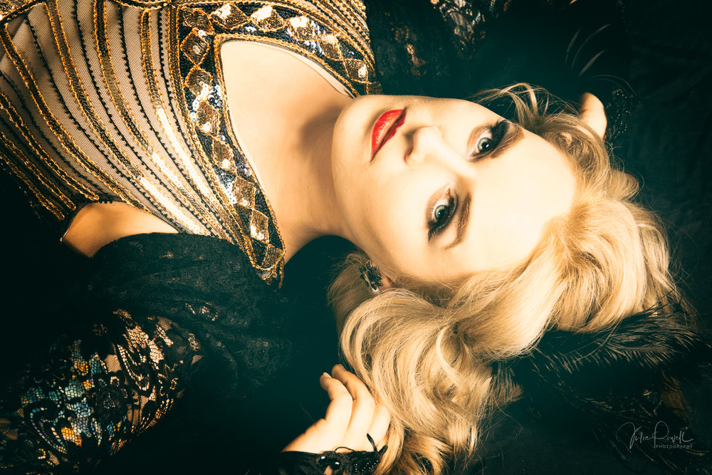 The Great Gatsby - Video Montage of a Roaring 20's Flapper Girl studio session with Gemma