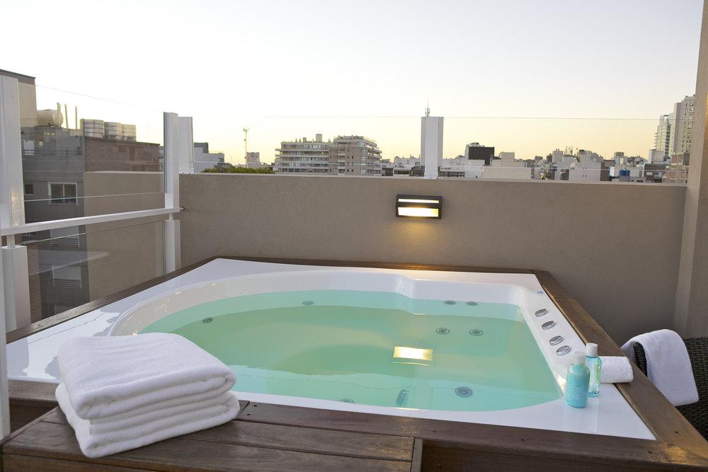 Terrace - jacuzzi.jpg