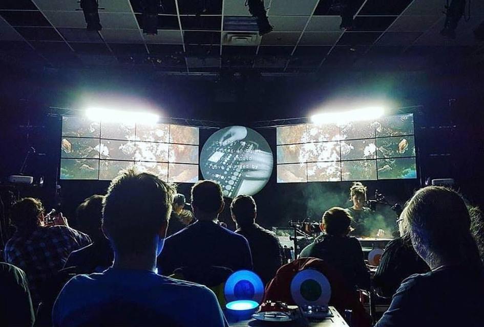 Présentement en tournée avec Kid Koala sur les spectacles  Satellite  à titre de musicien/chef d'orchestre.