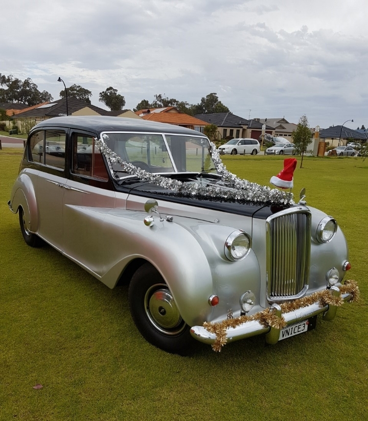 merry-christmas-perth-very-nice-classics-wedding-cars.jpg