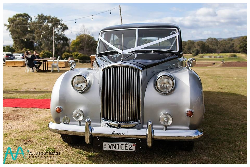 Very Nice Classics wedding cars and limousines — Perth wedding cars ...