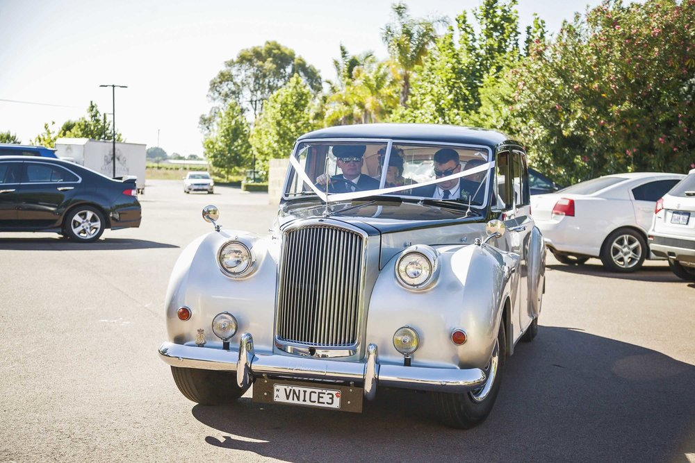 getting-married-in-perth-with-very-nice-classics-wedding-cars.jpg