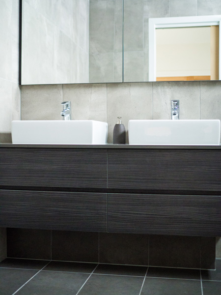 BATHROOM RENOVATION IN STRATHMORE Plumber Melbourne Bathroom - Plumber bathroom renovation