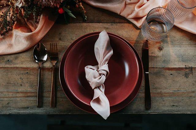 Details always. Styling by @piaandjade. Photogrpahy by @jennywuphotography. Silk styling fabric and napkin by us.  #silkribbon #silkribbonaustralia #plantdyed #plantdyedsilk #plantdyedsilkribbon #handdyed #handdyedsilk #botanicaldye #weddingbouquet #bouquetribbon #weddingdetails #thepaperbotanist