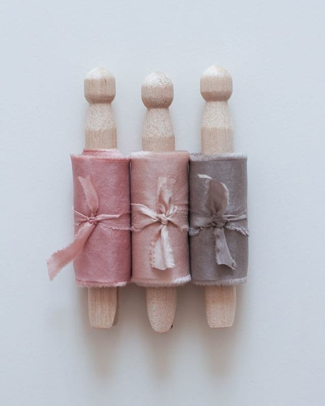 Did you know that these 3 shades are all produced by the same plant material? The dark pink has been dyed with the original colour extraction, the lighter pink has been dyed using the exhaust bath from the darker pink, and the grey is made by adding a teeny tiny amount of iron, (a natural occurring mineral) to the dye bath. Even more colours can be achieved by adjusting the PH or by overdyeing with another shade. Quite literally a rainbow of colour, from just one humble little plant.  #silkribbon #silkribbonaustralia #plantdyed #plantdyedsilk #plantdyedsilkribbon #handdyed #handdyedsilk #botanicaldye #weddingbouquet #bouquetribbon #weddingdetails #thepaperbotanist