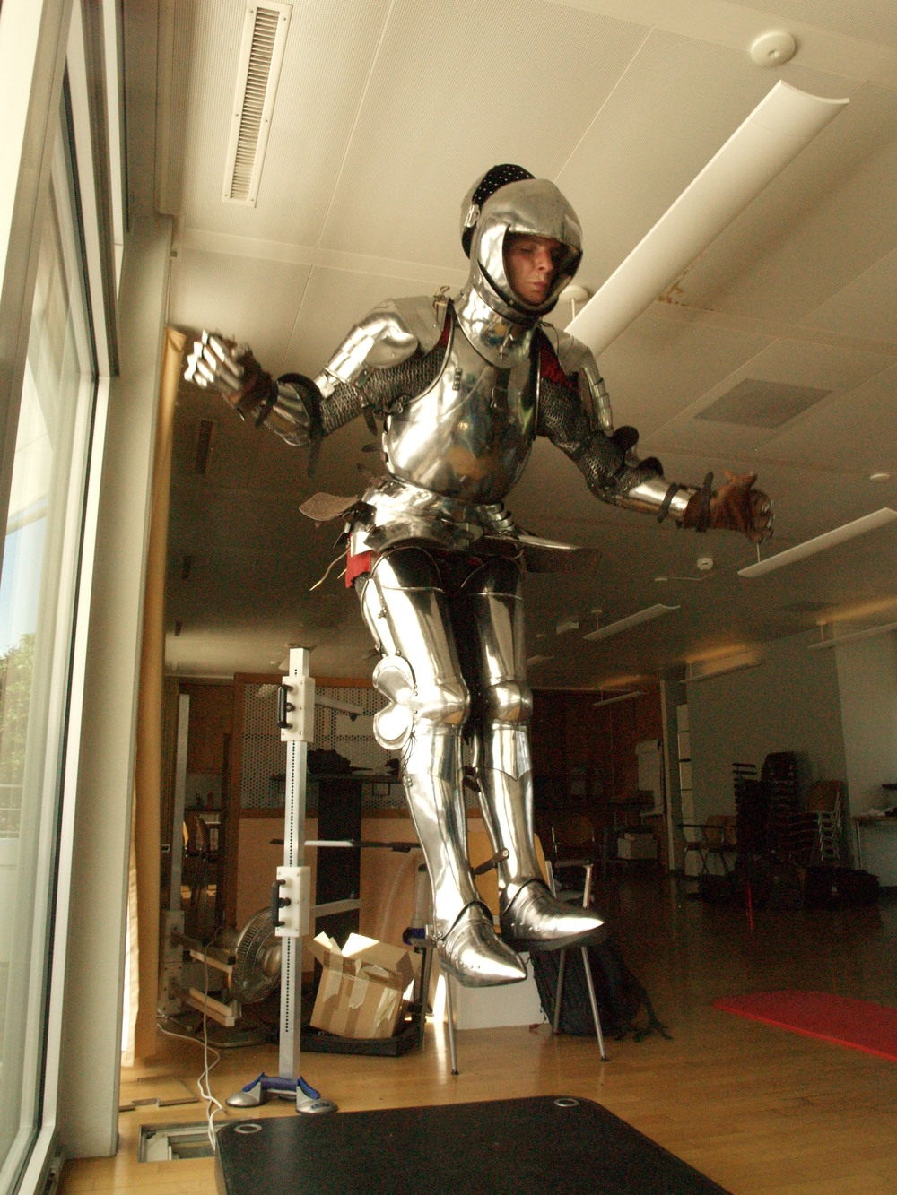 Trial test for measuring energy expenditure while carrying armour (jumping on a force platform). Photo EJ (2011).