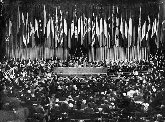 Founding meeting of UNESCO, Paris, November 20, 1946 (© UNESCO/Eclair Mondial)