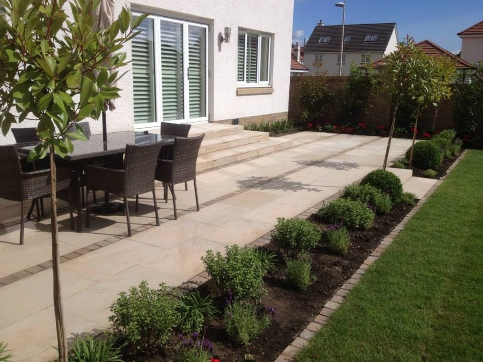 Contemporary Patio, Bearsden
