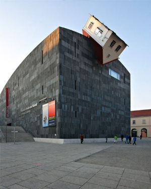 Erwin Wurm – House Attack (credit: www.noupe.com)