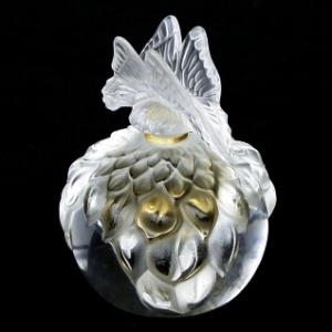 Lalique Perfume Flacon – I want one of these! (image credit: huubgeurts.com)