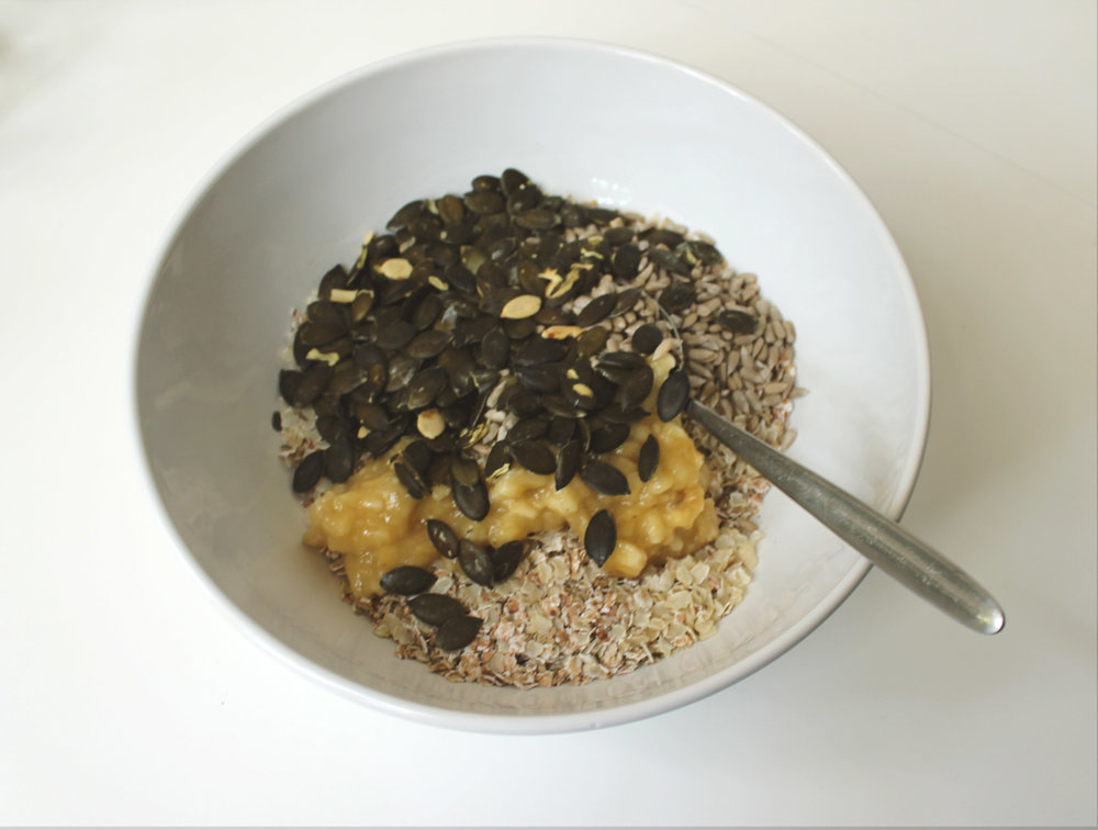 mix the oats and the hemp hearts first, then add all the remaining ingredients