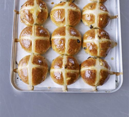 traditional hot cross buns - BBC Good Food have shared Paul Hollywood's traditional hot cross bun recipe, combining sultanas, mixed peel, cinnamon and apple and topped with an apricot jam glaze for a delicious Easter treat (or any time of the year!).Recipe: Paul Hollywood's Hot Cross Buns