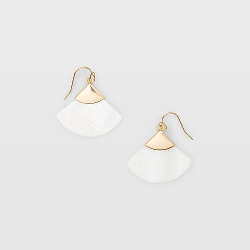 Pearl Fan Earring   HK$390