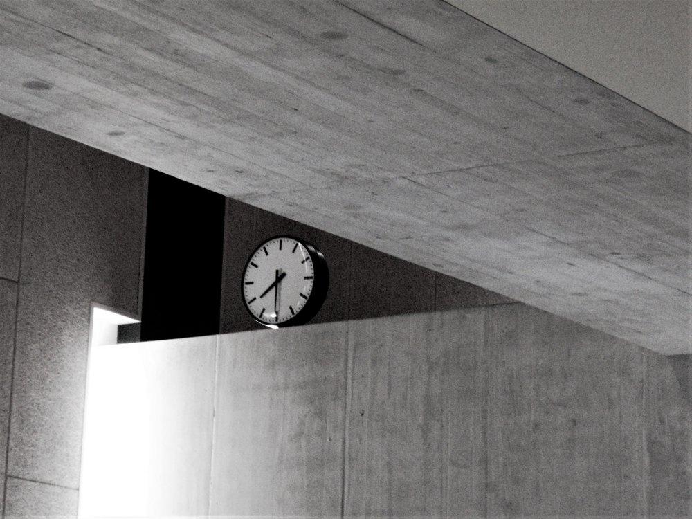 Geometric clock.jpg
