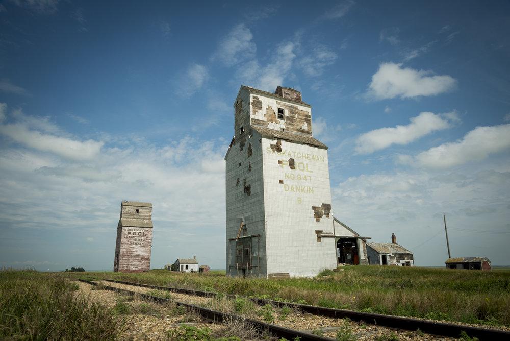 Dankin_Grain_Elevator_Saskatchewan_1