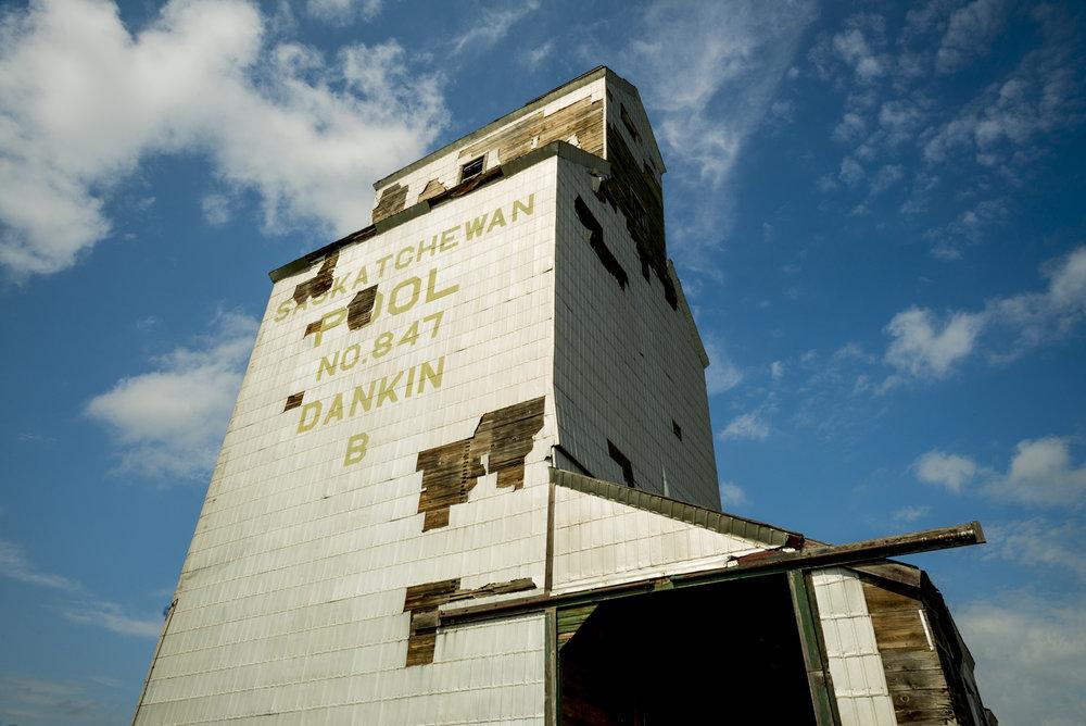 Dankin_Grain_Elevator_Saskatchewan_2