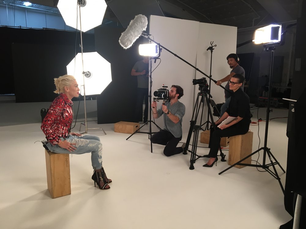 brandon milbradt interviews gwen stefani. photo by paul ritter