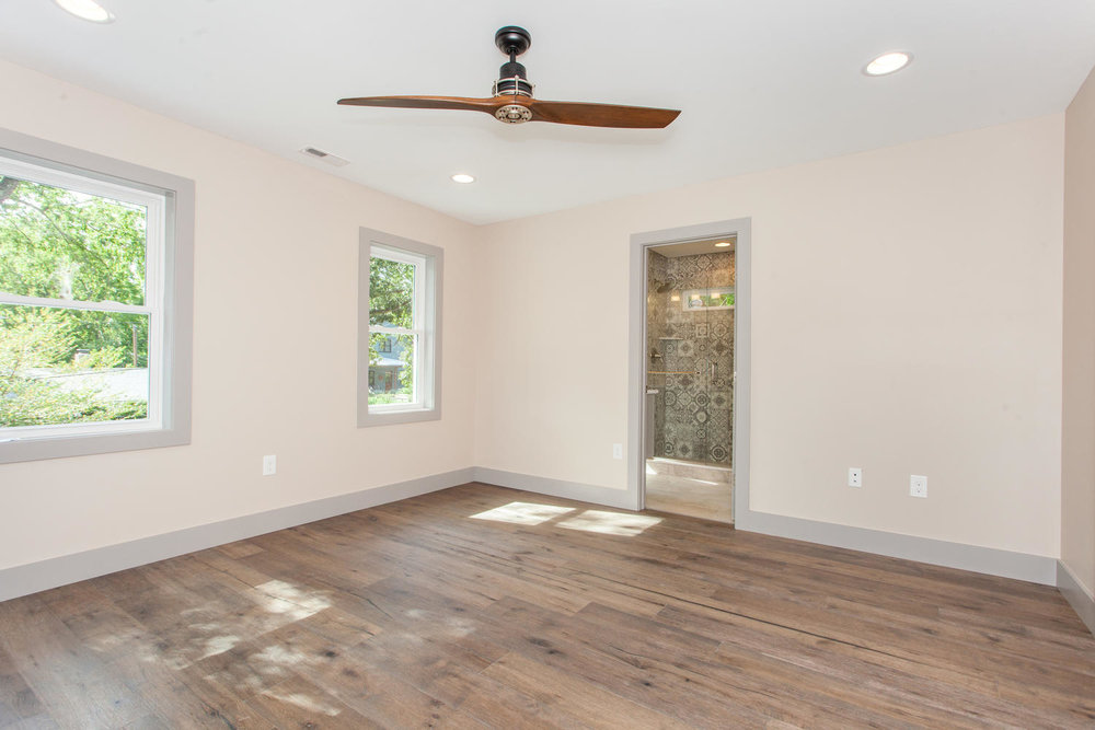 84 Middlemont Ave Asheville NC-large-014-19-Master Bedroom-1500x1000-72dpi.jpg