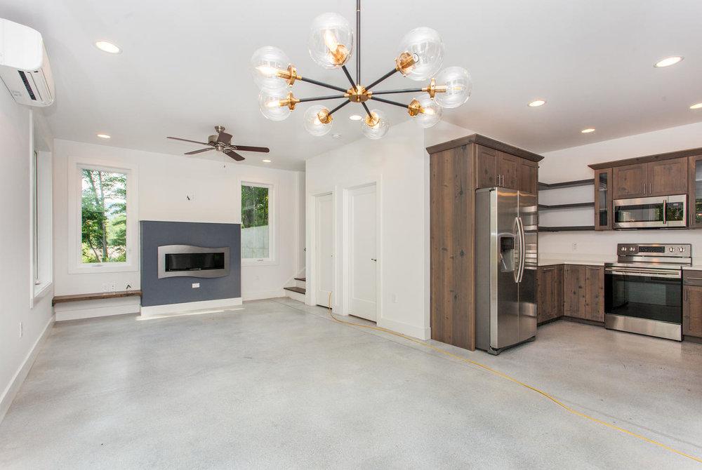 29 Lundy Ln Waynesville NC-large-008-25-Living Room-1493x1000-72dpi.jpg