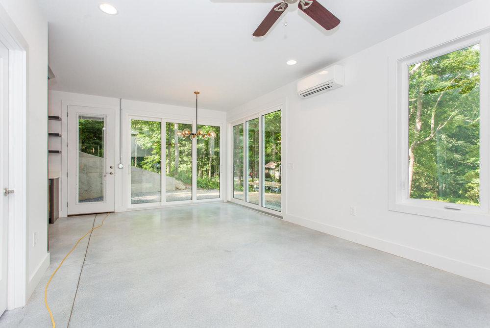 29 Lundy Ln Waynesville NC-large-011-10-Living Room-1496x1000-72dpi.jpg