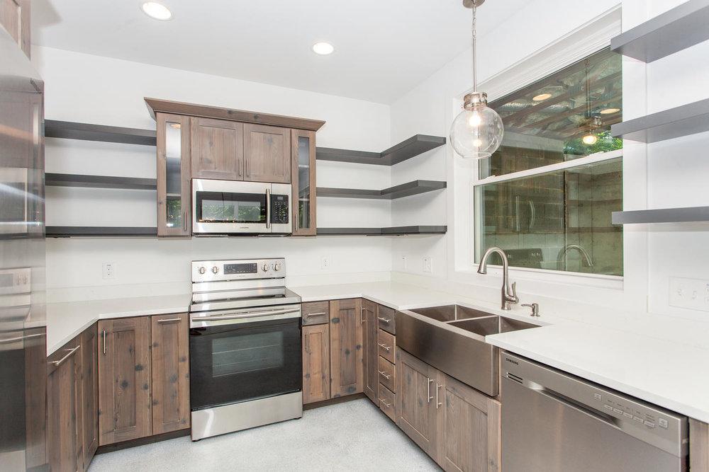 29 Lundy Ln Waynesville NC-large-014-6-Kitchen-1500x1000-72dpi.jpg