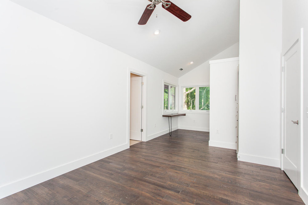 29 Lundy Ln Waynesville NC-large-016-3-Master Bedroom-1500x1000-72dpi.jpg