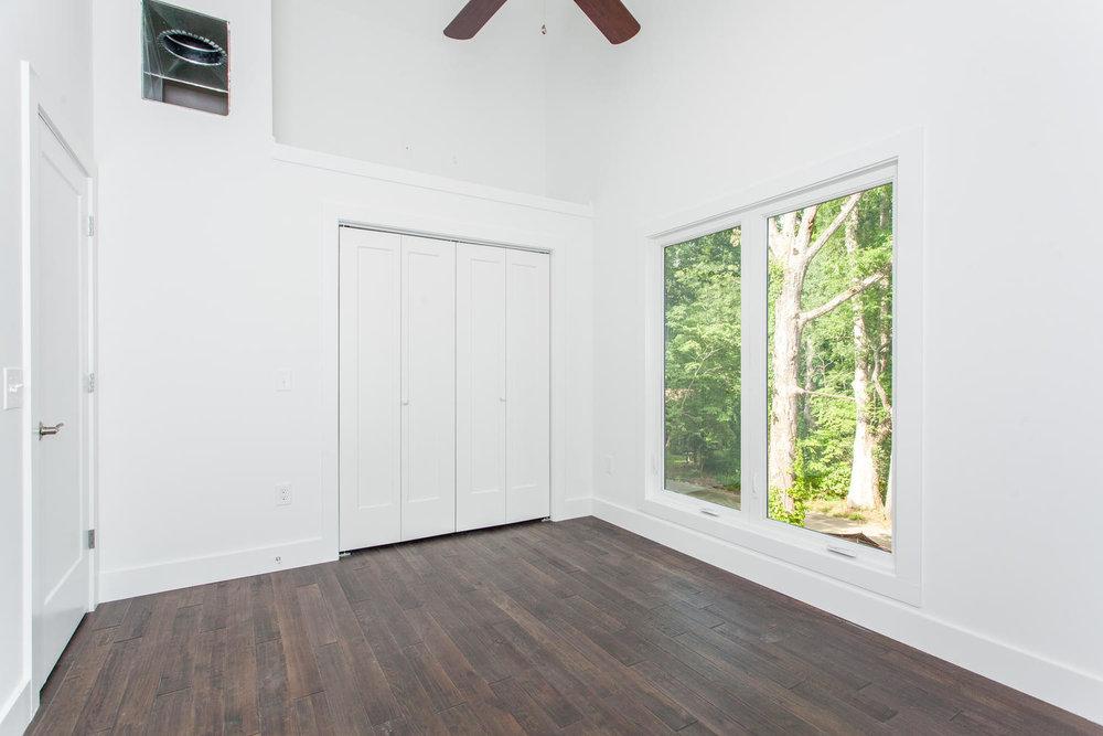 29 Lundy Ln Waynesville NC-large-024-11-Bedroom-1500x1000-72dpi.jpg