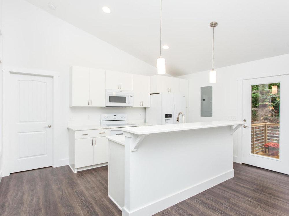 41 Granite Cliff Court-014-6-Kitchen-MLS_Size.jpg