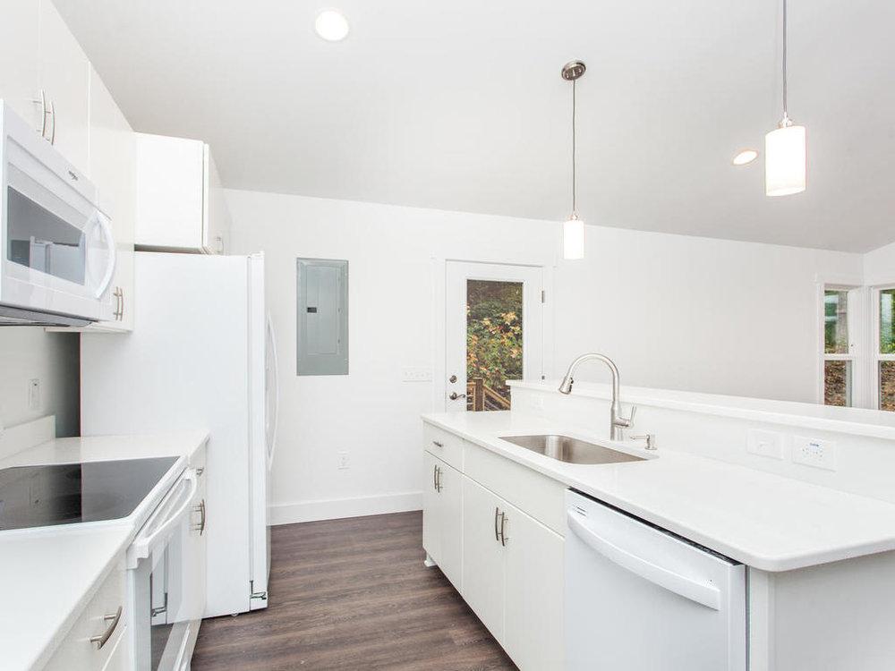 41 Granite Cliff Court-015-5-Kitchen-MLS_Size.jpg