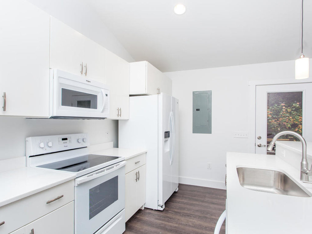 41 Granite Cliff Court-016-12-Kitchen-MLS_Size.jpg