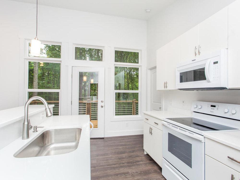 41 Granite Cliff Court-017-20-Kitchen-MLS_Size.jpg