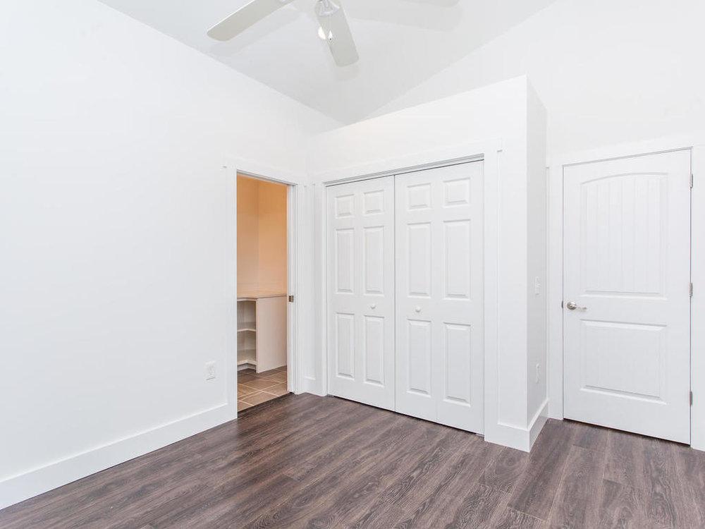 41 Granite Cliff Court-020-15-Bedroom-MLS_Size.jpg