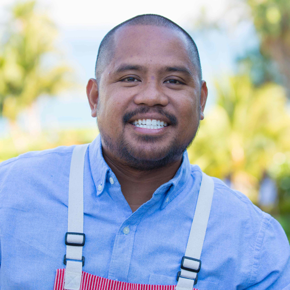 SHELDON SIMEON, MAUI  A humble Chef who uses food to connect to the community and has an unconditional love for steak and pork.  modern local cuisine, filipino influences, playful nuances  Chef/Owner Tin Roof - previous Executive Chef Migrant - previous Executive Chef Mala - previous Executive Chef Star Noodle - Top Chef finalist and fan favorite - Culinary Institute of the Pacific - Maui Culinary Academy - James Beard Award finalist - Food & Wine's Best New Chef Northwest and Pacific