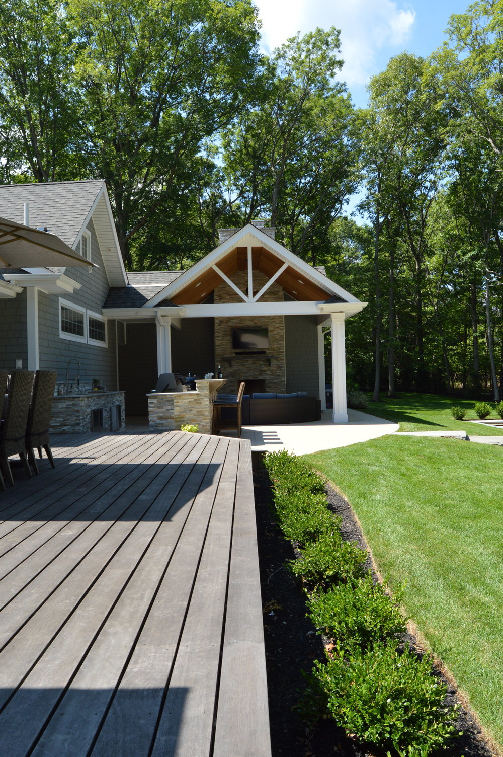 Outdoor kitchen and backyard landscape design in Huntington, NY