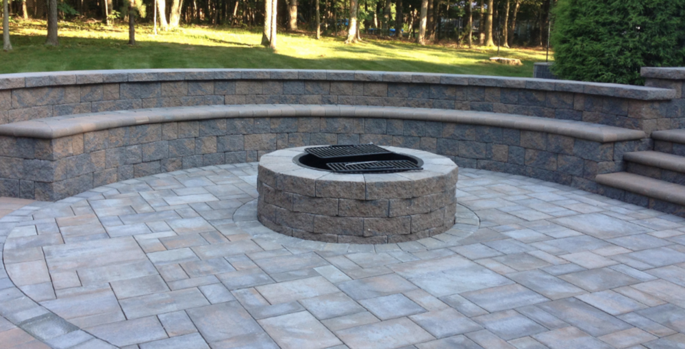 Manorville, NY fit pit and seating wall