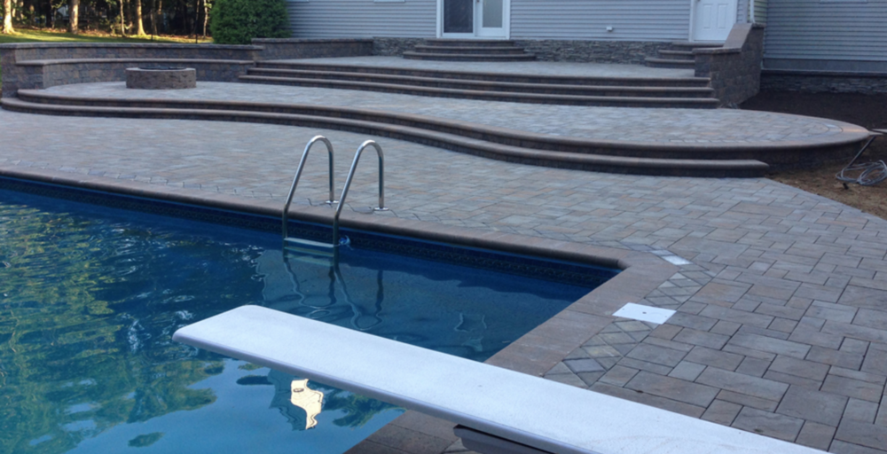 Manorville, NY swimming pool paver patio